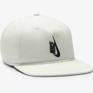 Nike Unisex Acronym Hat 882730-133 White/Black